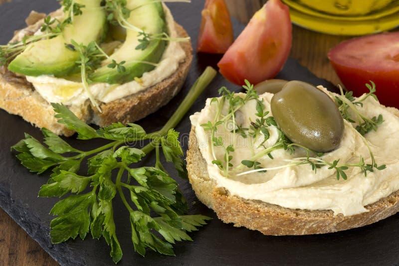 Sandu?ches de Hummus imagem de stock royalty free
