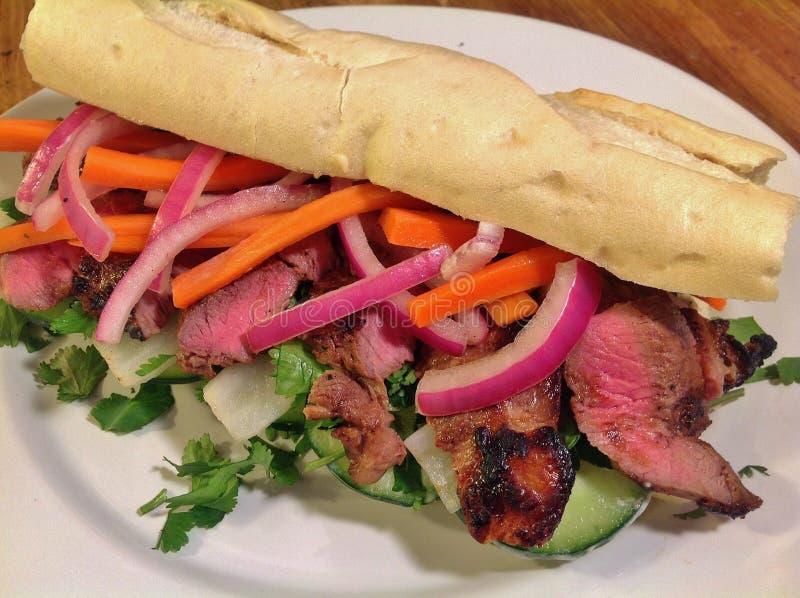 Sandwich à Banh MI d'agneau photos stock