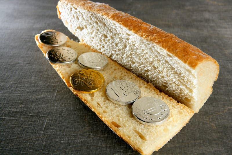 sandwich à carte de concept de pain euro photos stock