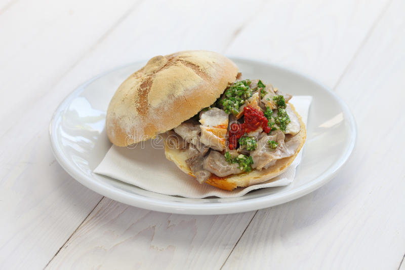 Sandwich à Lampredotto, nourriture italienne images stock