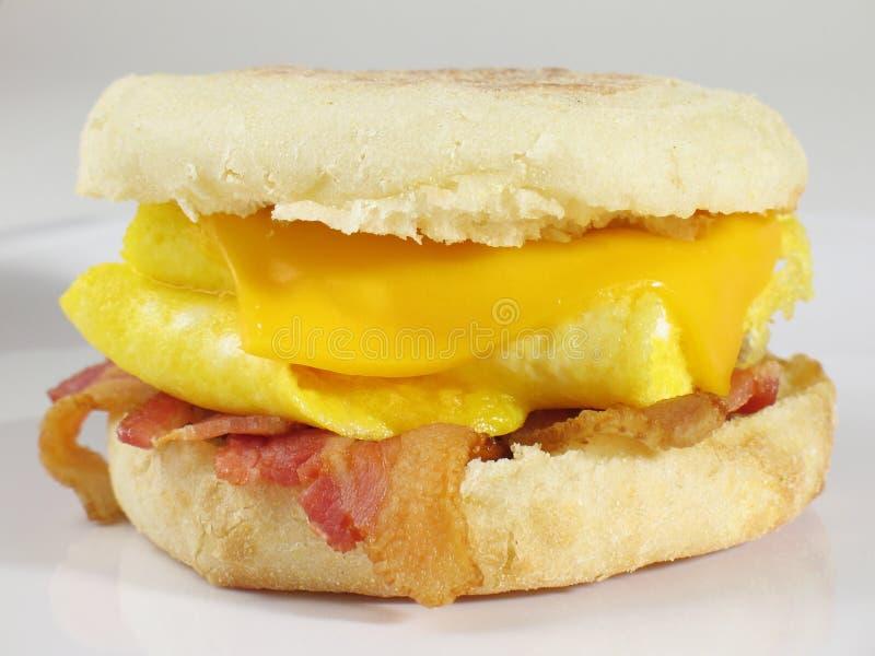 Sandwich à oeufs et à lard photos stock