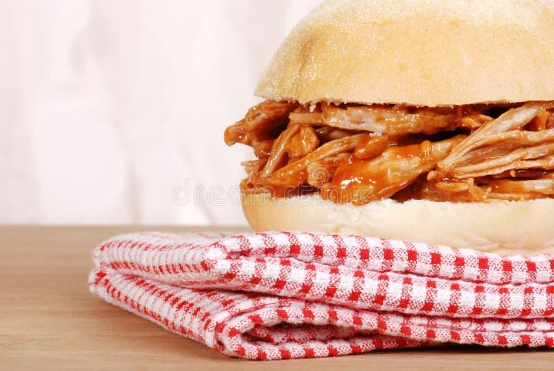 Sandwich à porc tiré par instruction-macro photos stock