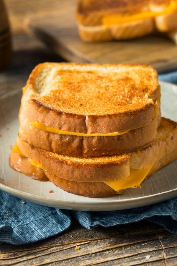 Sandwich au fromage grillé maison photo stock