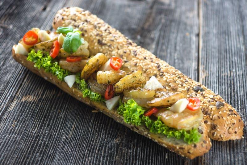 Sandwich avec des crevettes image stock