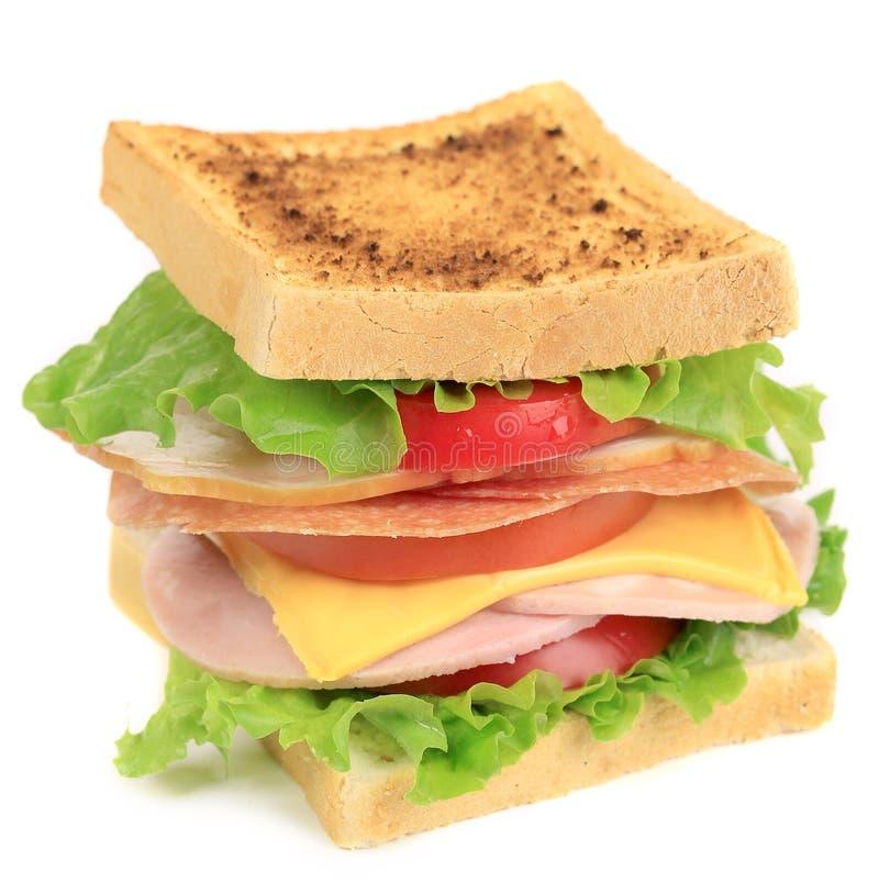 Sandwich avec la tomate et le fromage. photo libre de droits