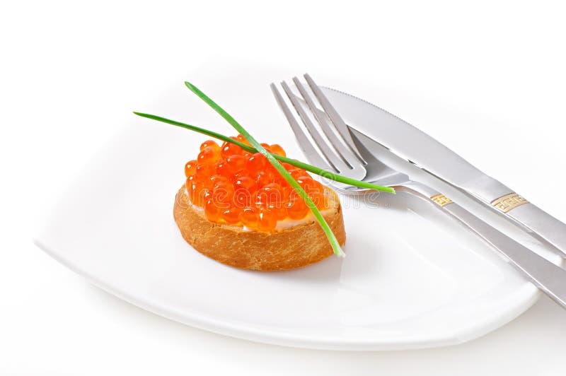 Sandwich avec le caviar rouge photos libres de droits
