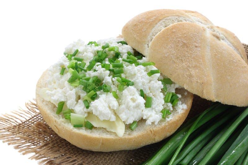 Sandwich avec le fromage blanc photographie stock libre de droits