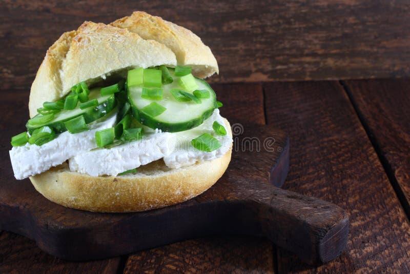 Sandwich avec le fromage blanc photos stock