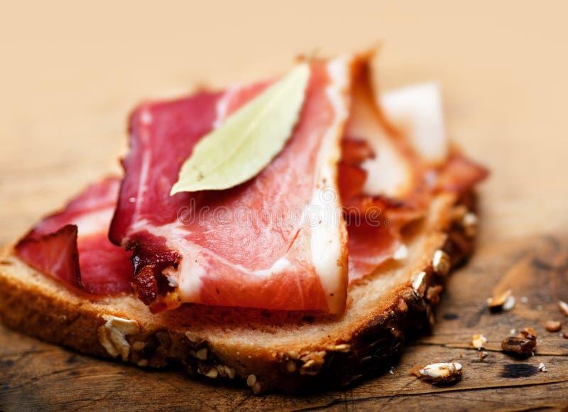 Sandwich avec le lard photos stock
