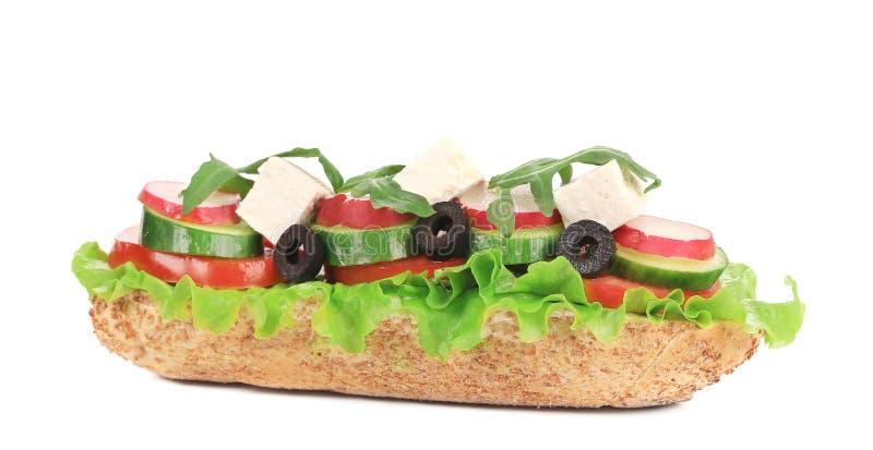 Sandwich avec les olives et le fromage de tomate. image stock