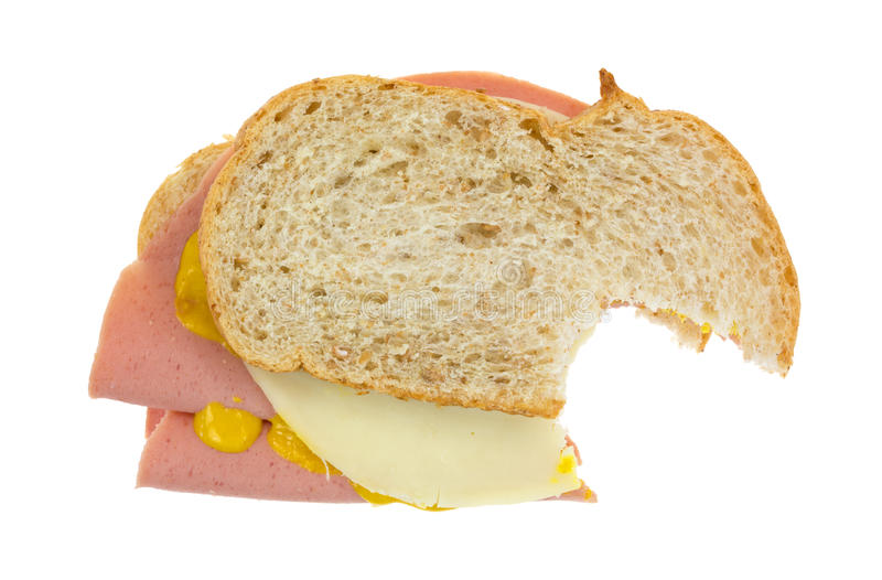 Sandwich bidon mordu avec du fromage photo stock
