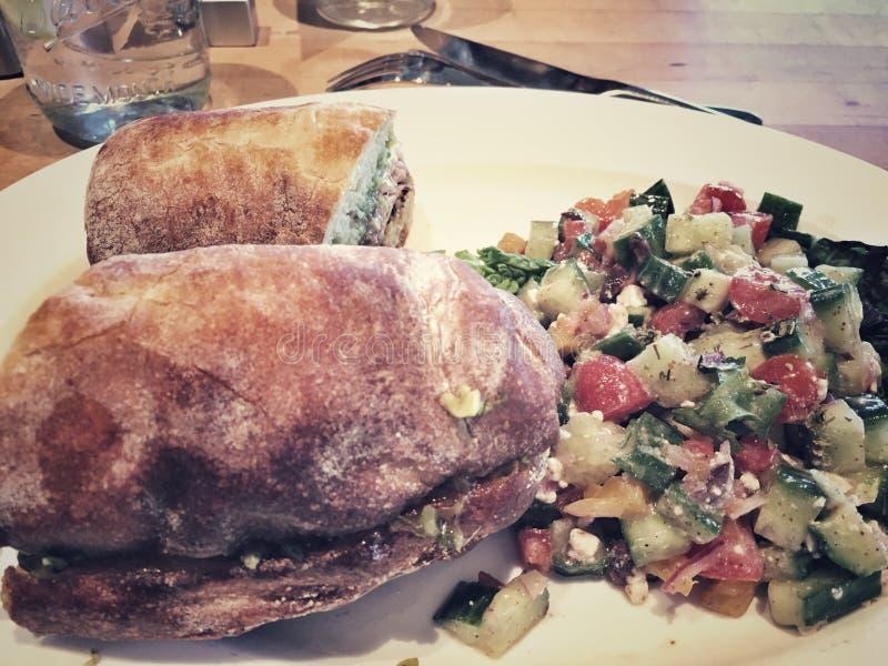 Sandwich en Salade royalty-vrije stock afbeelding