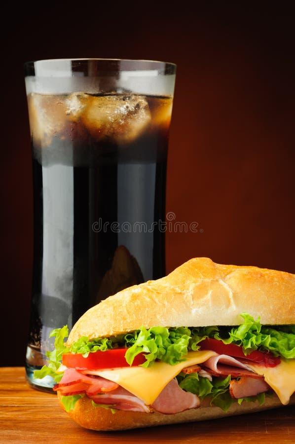 Sandwich et kola images stock