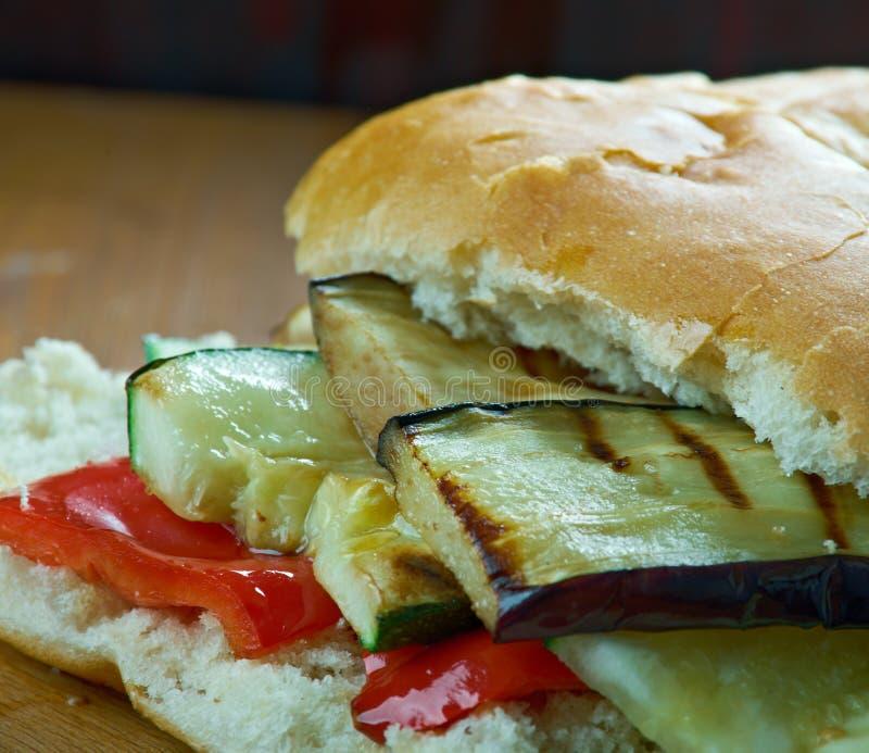 Download Sandwich Grillé à Muffuletta De Ratatouille Image stock - Image du poivres, sandwich: 77151095