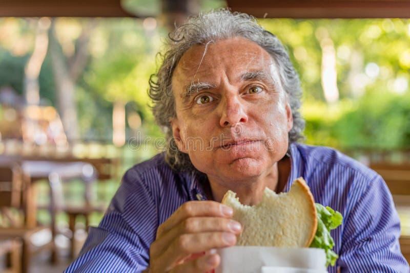 Sandwich mangeur d'hommes dans la campagne italienne photos stock