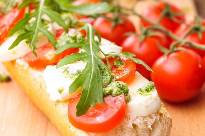 Sandwich mit Mozzarella stockfoto