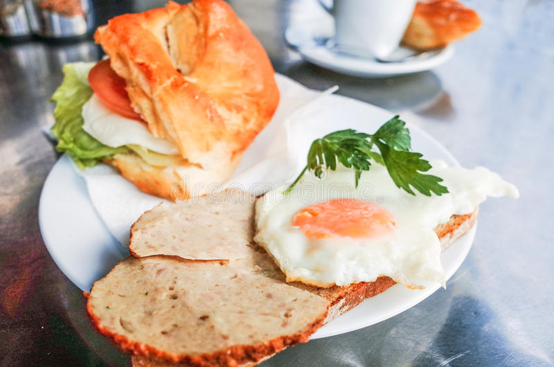 Sandwich mit Speck stockfotografie