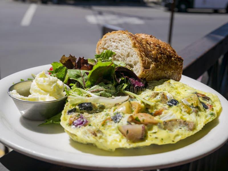 Sandwich, salade, petit pain d'oeufs photos libres de droits