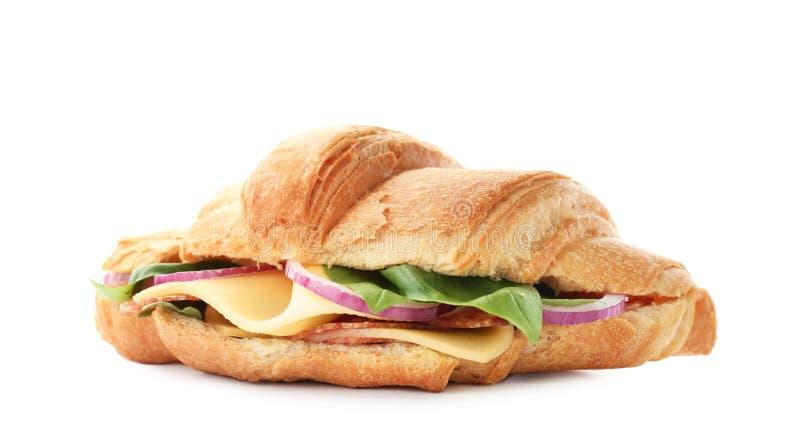 Sandwich savoureux à croissant avec le salami photos stock