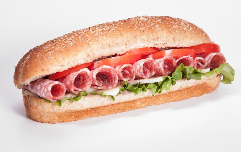Sandwiche del salami imagenes de archivo