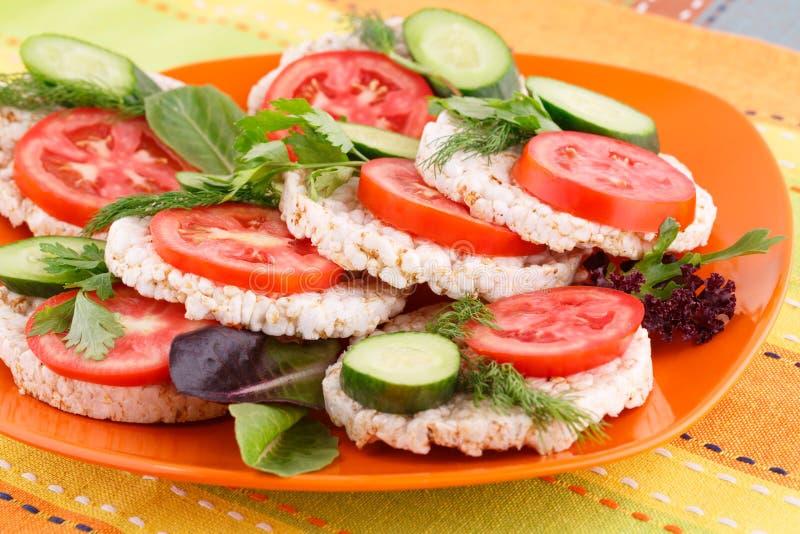 Sandwichs soufflés à biscuits de riz photographie stock