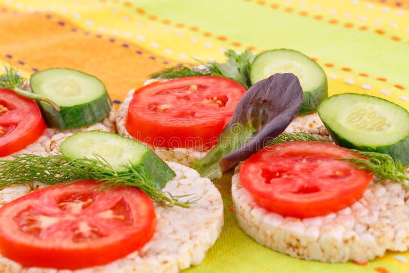 Sandwichs soufflés à biscuits de riz photographie stock libre de droits