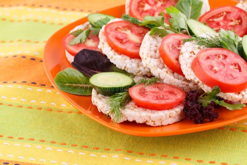 Sandwichs soufflés à biscuits de riz image stock
