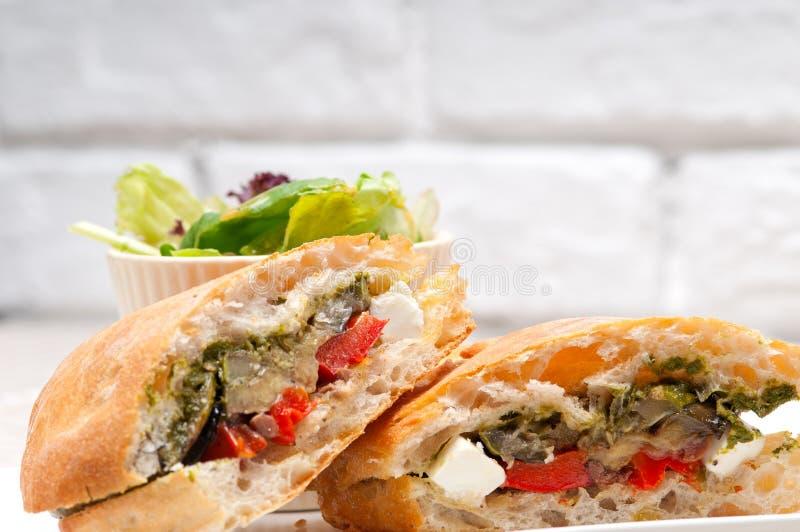 Vegetal e feta do sandwichwith do panini de Ciabatta fotografia de stock royalty free