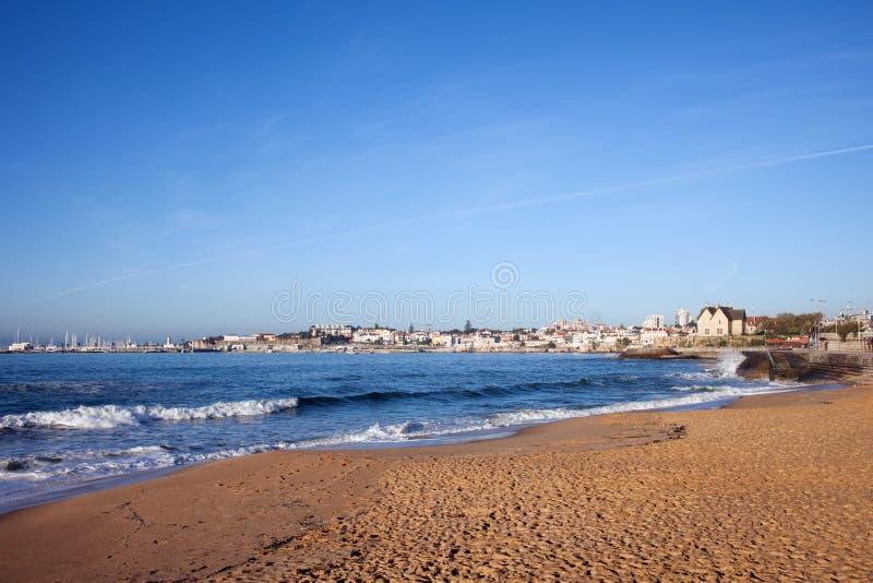 Sandy Beach en Cascais en Portugal fotos de archivo libres de regalías