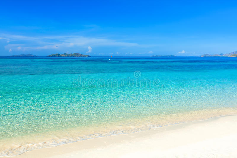 Praia tropical Malcapuya fotografia de stock royalty free