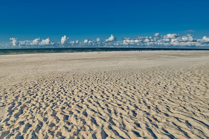 Sandy Beach vuoto senza fine immagine stock