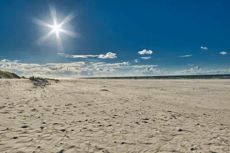 Sandy Beach vuoto senza fine fotografie stock