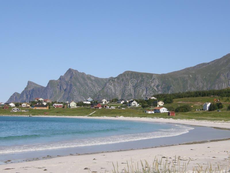Sandy-Strand in den Lofoten Inseln, Norwegen stockbild