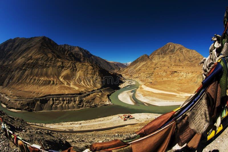 Sangam Indus y ríos de Zanskar que se encuentran en Leh fotografía de archivo