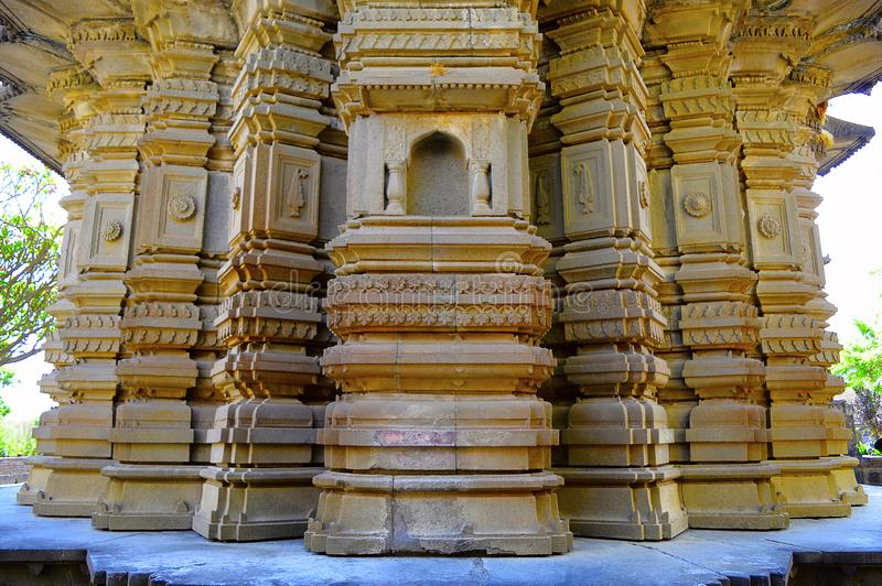 Sangameshwar寺庙主要shikhar墙壁在萨斯瓦德,浦那,马哈拉施特拉附近的 库存图片