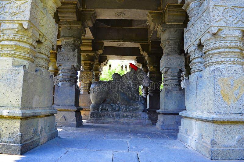 Sangameshwar寺庙的楠迪公牛在萨斯瓦德,浦那,马哈拉施特拉附近 免版税库存照片