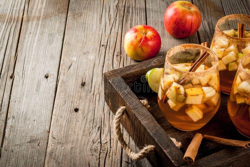 Sangría caliente de la manzana, sidra de manzana imagenes de archivo