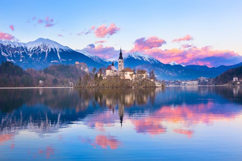 Sangrado en puesta del sol, Eslovenia, Europa imágenes de archivo libres de regalías
