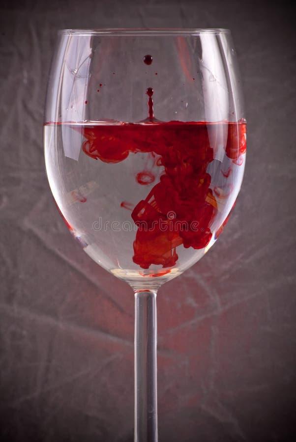 Sangre en agua imágenes de archivo libres de regalías