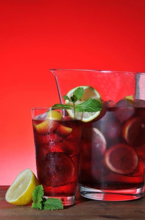 Download Sangria photo stock. Image du fruit, vert, liquide, mélangé - 45370560