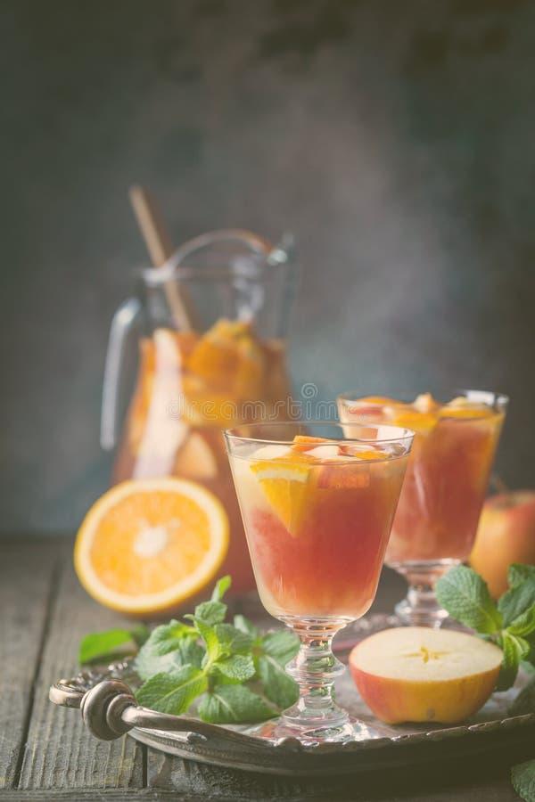 Sangria lub poncz z owoc obraz stock