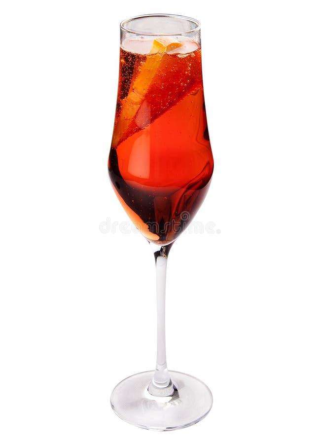 Sangria op een witte achtergrond Klassieke Spaanse drank stock afbeeldingen