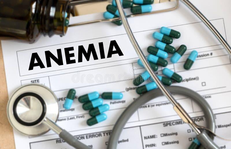 Sangue da ANEMIA para o teste, conceito médico, deficie do ferro do diagnóstico imagens de stock