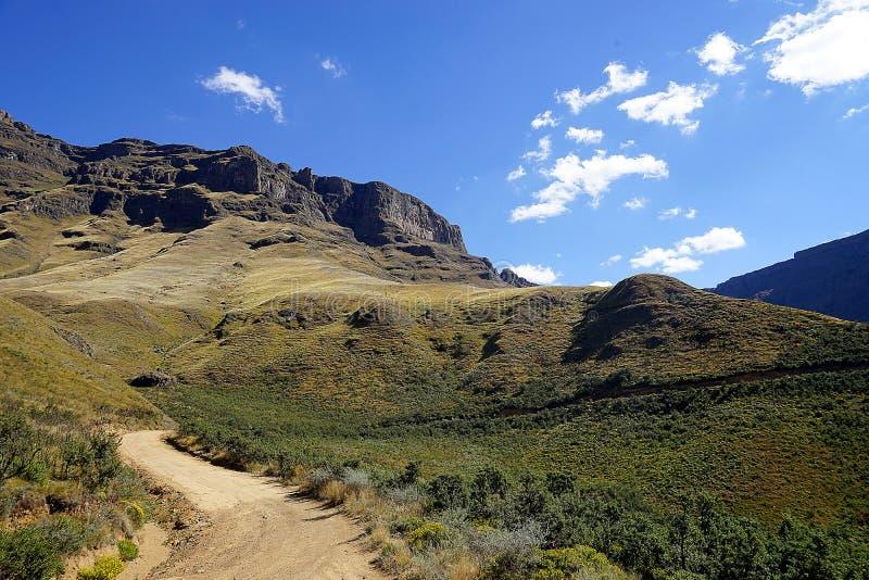 Sani passerande lesothiska Sydafrika Drakensberge arkivbilder