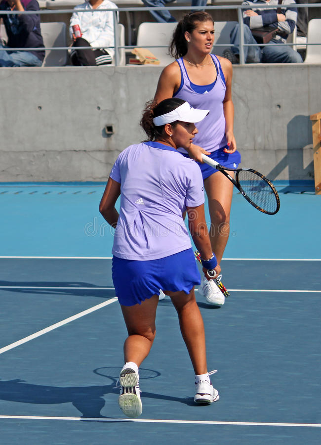Download Sania Mirza (IND) And Sorana Cirstea (ROU) Editorial Stock Image - Image: 11673959