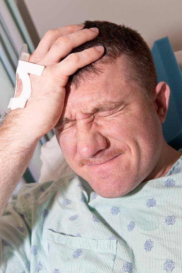Sanità: Uomo in ospedale fotografie stock