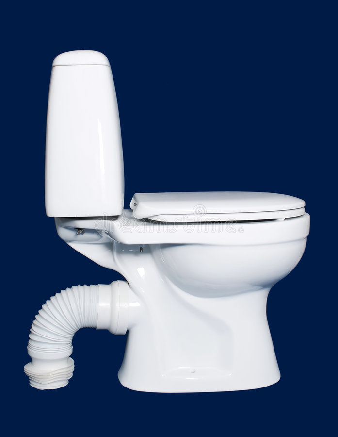 Sanitaire blanc de toilette d'isolement photographie stock