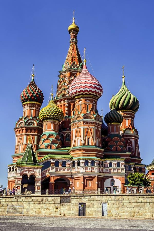 Sankt domkyrka f?r basilika` s i r?d fyrkant i Moskva, Ryssland arkivfoto