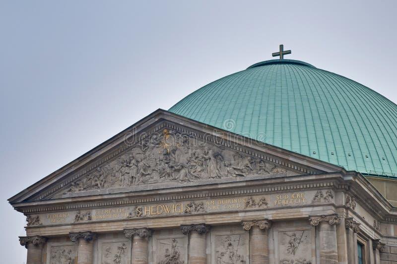 Sankt-Hedwigs-Kathedrale en Berlín, Alemania fotos de archivo
