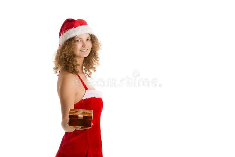 Sankt-Mädchen bietet Geschenkbox an stockfoto